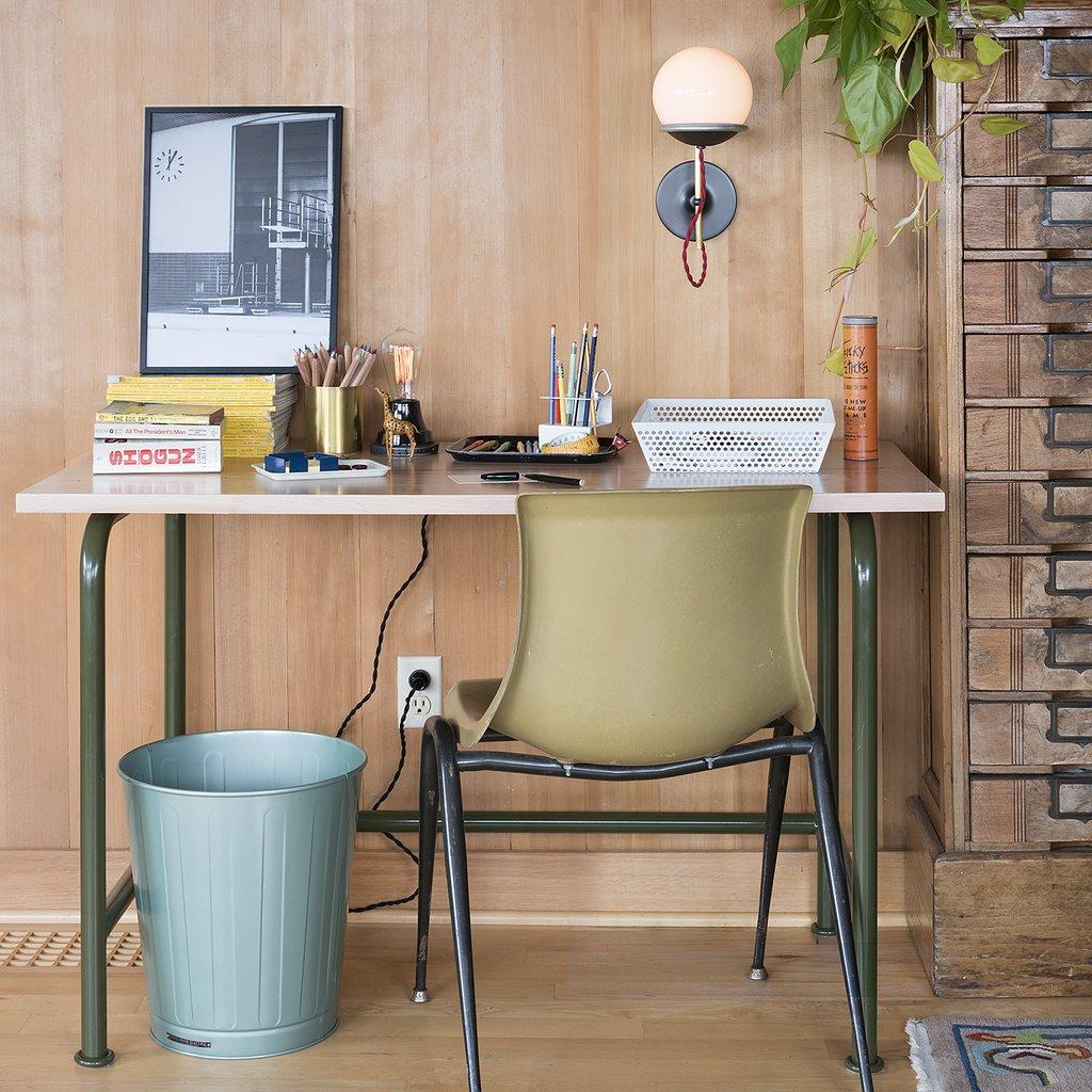 10 Easy Pieces Office Wastebaskets portrait 3