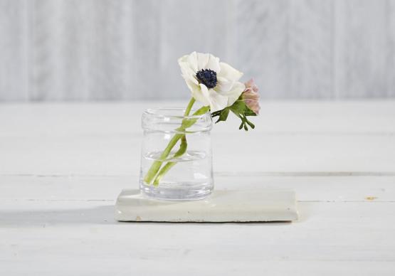 danvers-glass-vase-gardenista