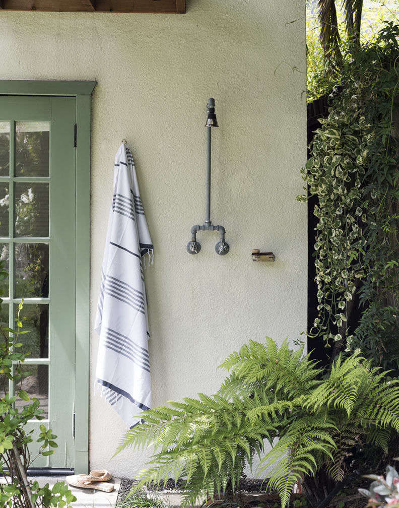 Hardscaping 101: Outdoor Showers