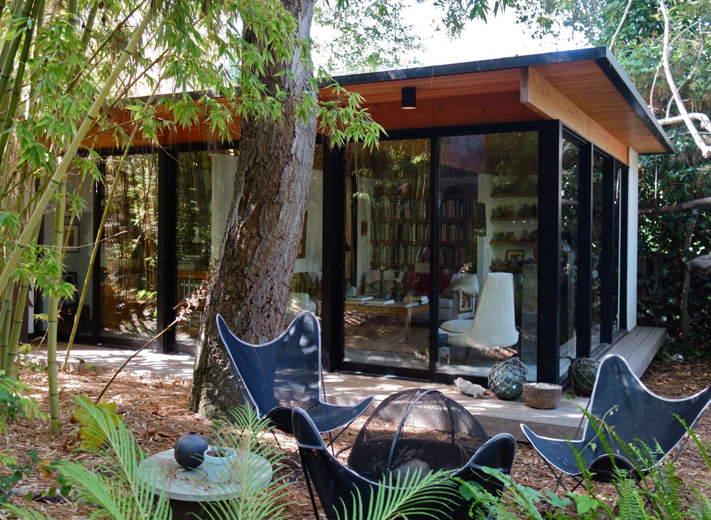 Studio, Santa Monica: I designed this studio in homage to Ellwood&#8