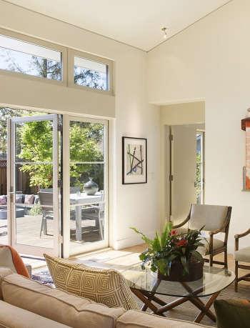 12b living room doors to view