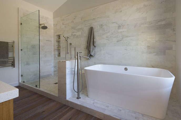 6 modern farmhouse master bath