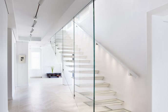 91 cpw stair oblique on