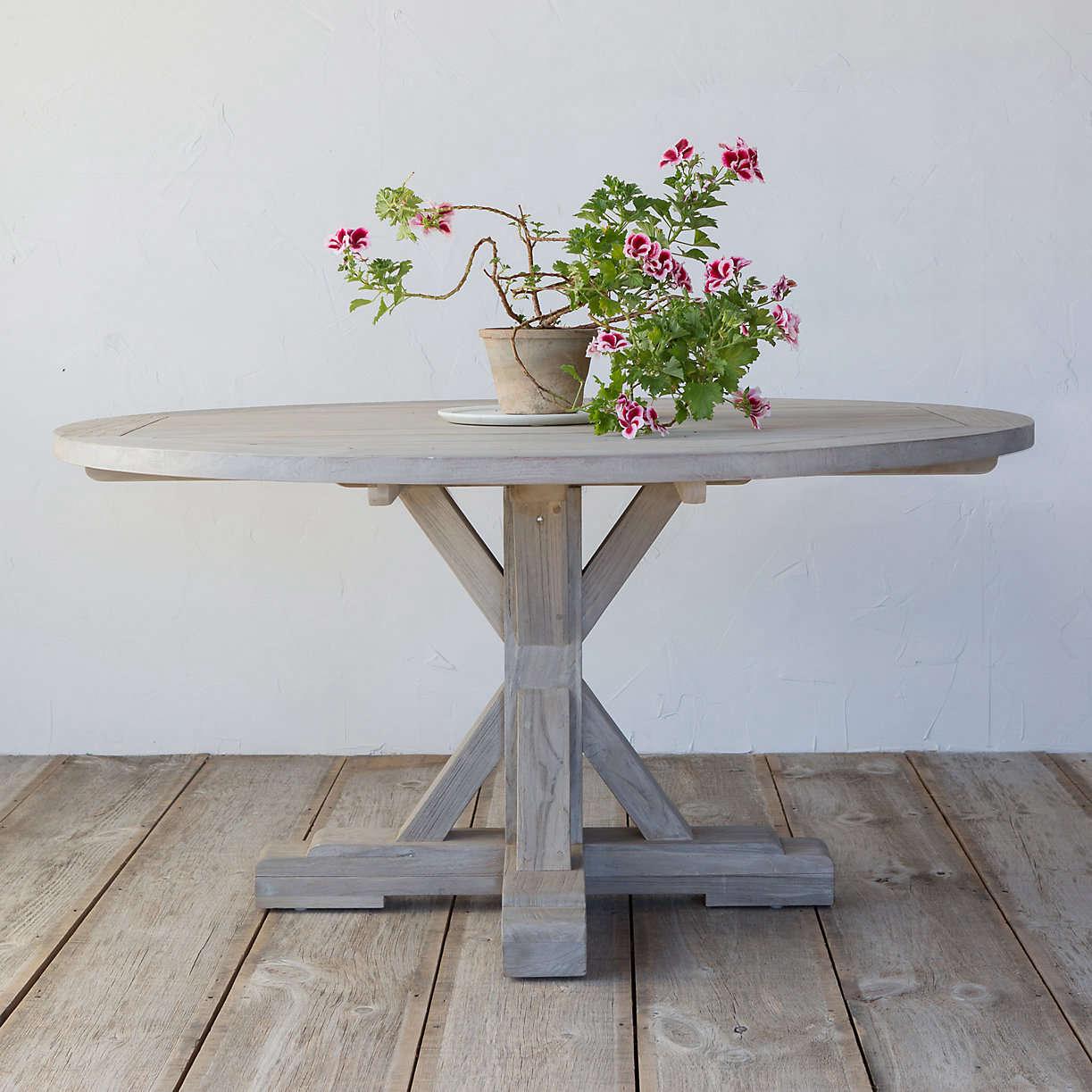 Outdoor round dining table - Round Teak Outdoor Dining Table Terrain Gardenista