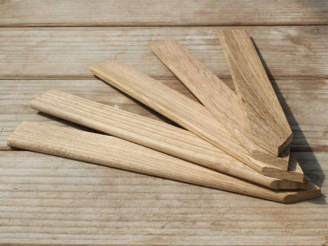 oak-plant-marker-lables-from-nether-wallop-gardenista