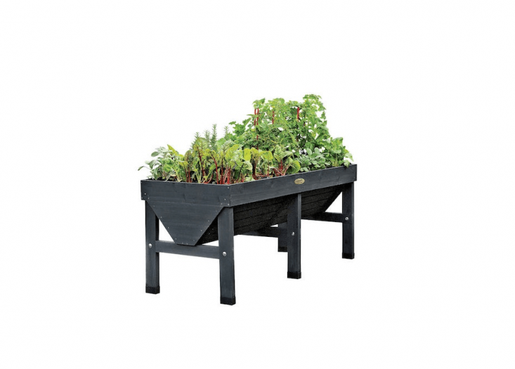 5 Favorites: Wooden Elevated Planters