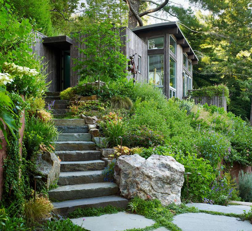 Artist Studio Overlooks Guest Cabin With Rooftop Garden: Architects' Roundup: 10 Garden Stairways