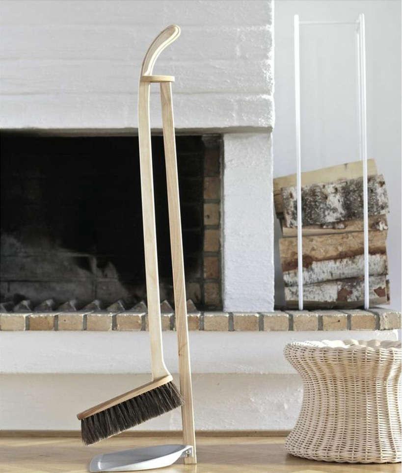 Iris Hantverk Broom and Dustpan Set