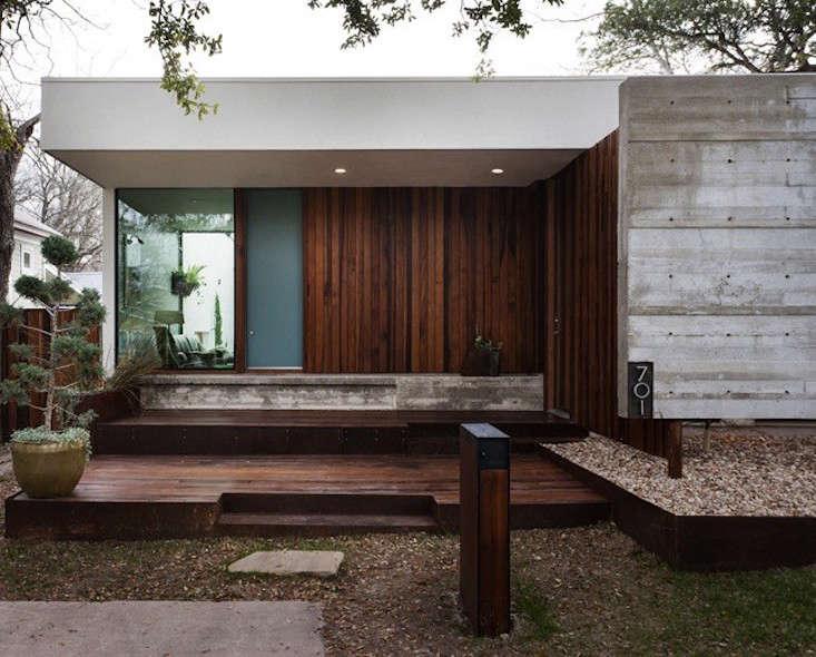 Modern-Concrete-Wood-Facade-Alterstudio-Architecture-Gardenista