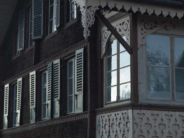 Bergdorf-chalet-exterior