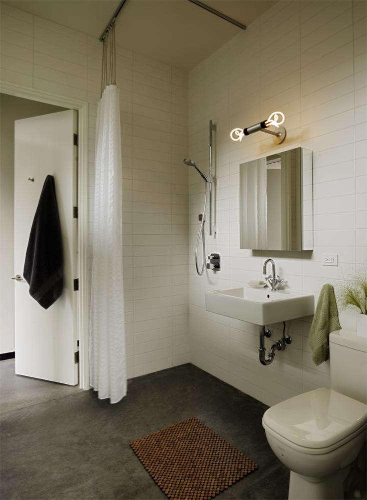 Neal_Schwartz_Bathroom_Hydeaway_Poolhouse_03