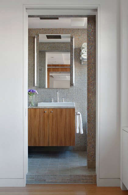 Horatio Master Bath &#8\2\1\1; click here for more information on this project