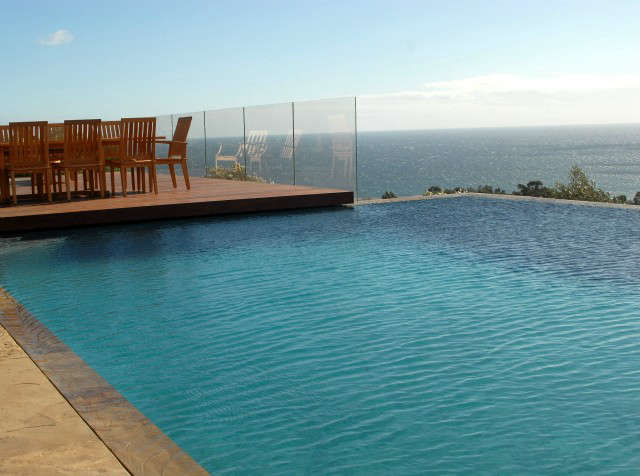 Malibu Infinity Pool &#8class=