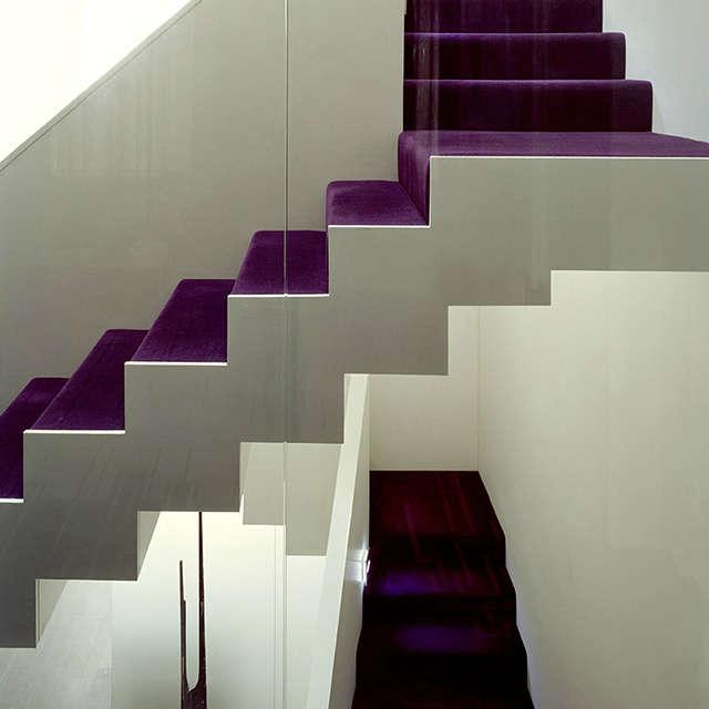 West Village Brownstone, New York, NY: stairway Photo: Frank Oudeman