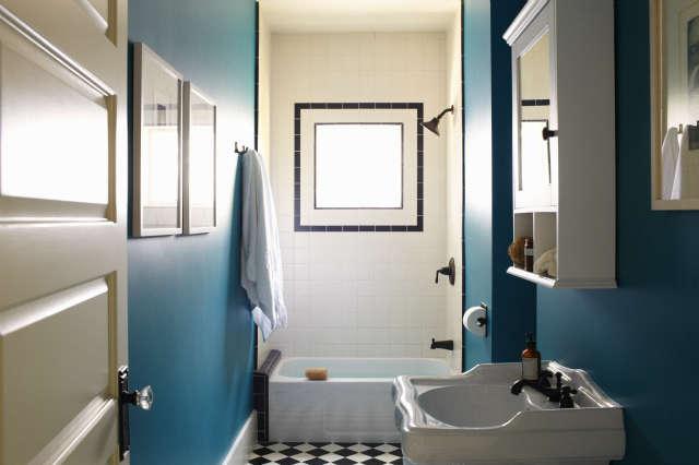 Bathroom, Canyon Residence Photo: Joe Schmelzer