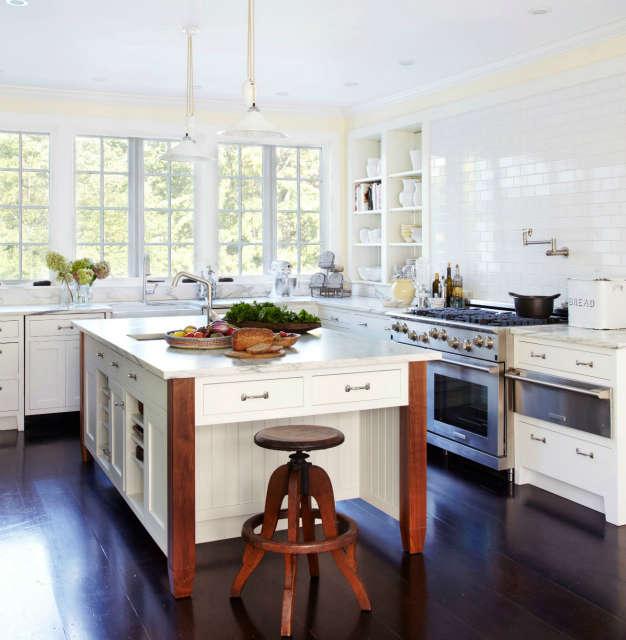 Country Kitchen Photo: Laura Resen