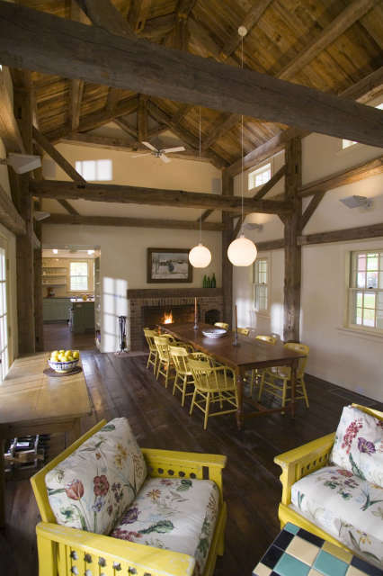 Post & Beam Dining Room Photo: John Kane / Silver Sun