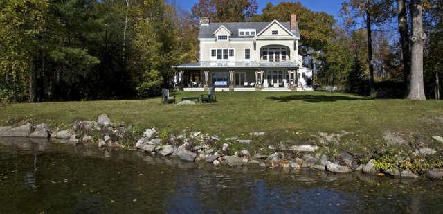 Lake House Photo: Alec Marshall