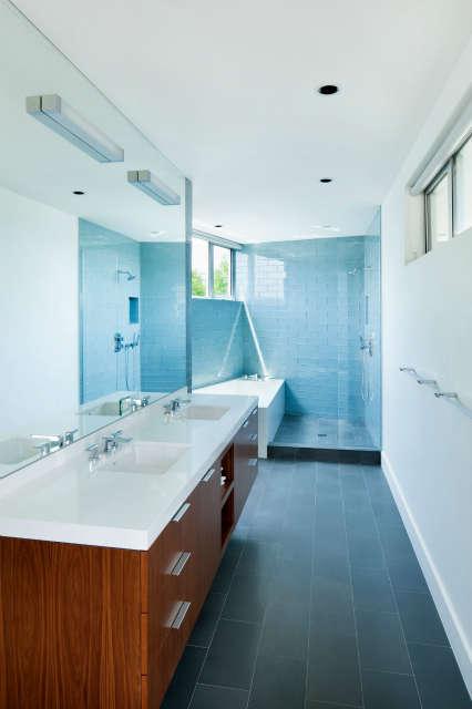 Manhattan Beach Master Bath Photo: Nicholas Alan Cope