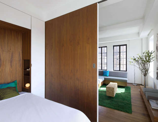 Transformer Loft &#8\2\1\1; bedroom looking back