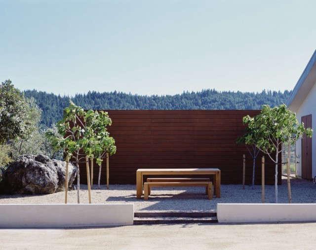Ridge House: Picnic and garden harvest terrace. Photo: Sharon Risedorph