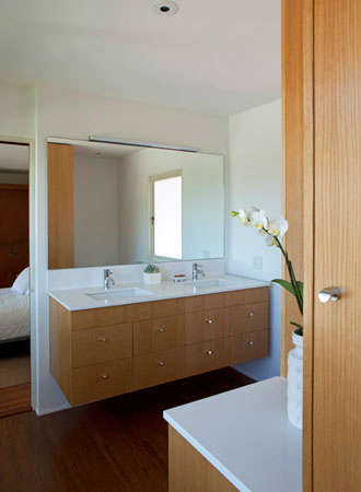 Isaacson Residence &#8\2\1\1; Face to face bathroom sinks.