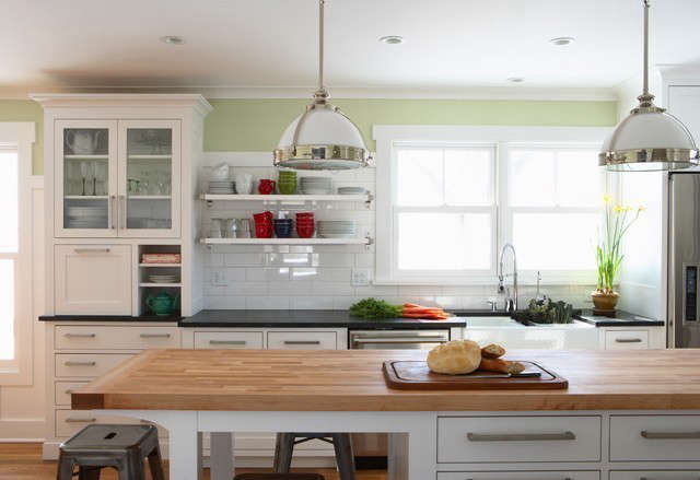 Hastings Farmhouse &#8\2\1\1; Kitchen Detail: Open shelving and an island provide additional storage for frequently used items. Photo: Susan Gilmore