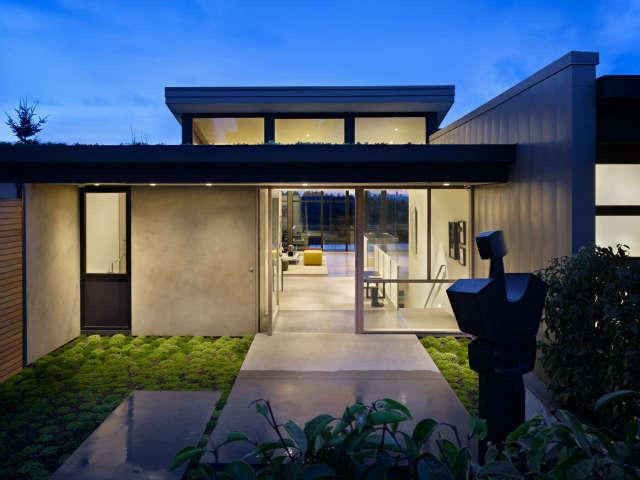 Hillside Modern Entryway