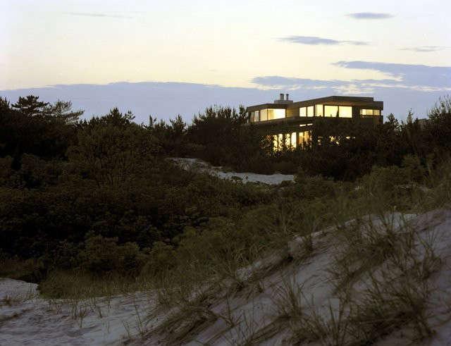 Beach House Photo: Elizabeth Felicella