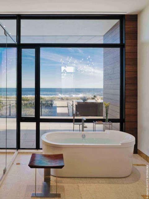 Southampton Oceanfront Bathroom Photo: Michael Moran