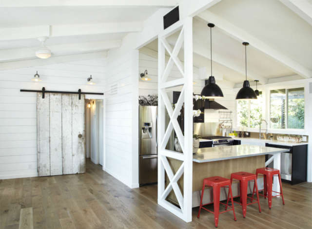 Modern Farmhouse Photo: Mark Adams Pictures