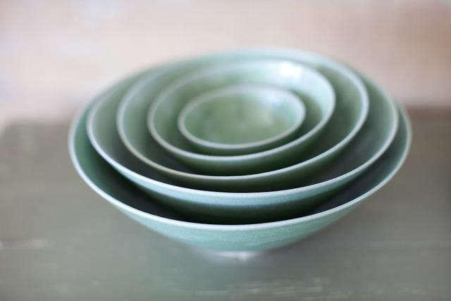 canvas-green-bowls