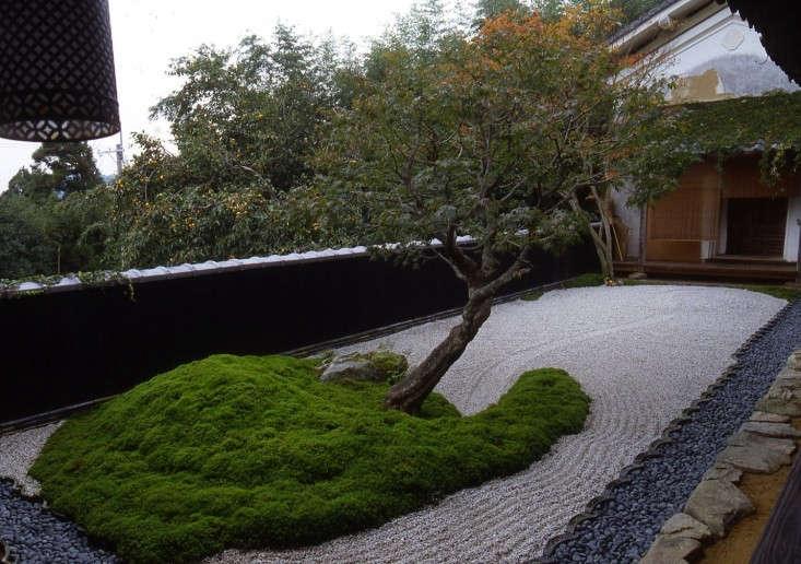 09-01-Mark-Peter-Keane-Spiral-Garden-Gardenista