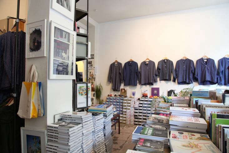 0fr-Bookstore-Paris-Remodelista-05