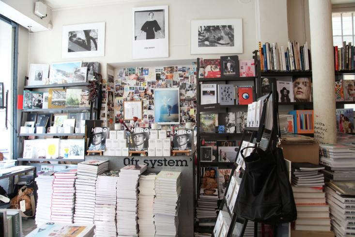 0fr-Bookstore-Paris-Remodelista-08