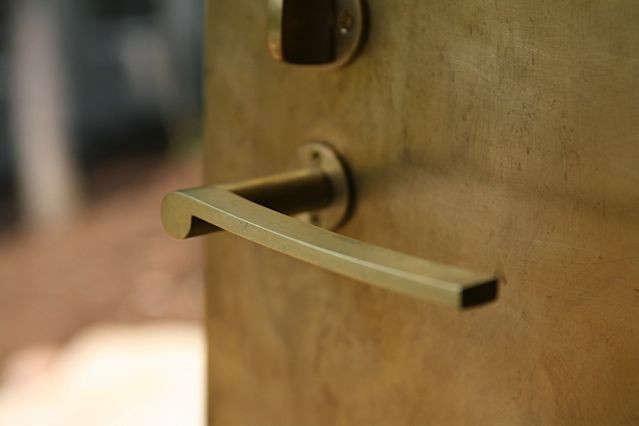 10-Maintenance-Tips-Door-Handle-Remodelista
