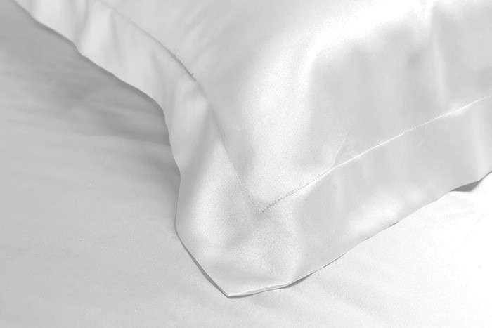 10 Favorites The Sleaze Free Silky Pillowcase Remodelista