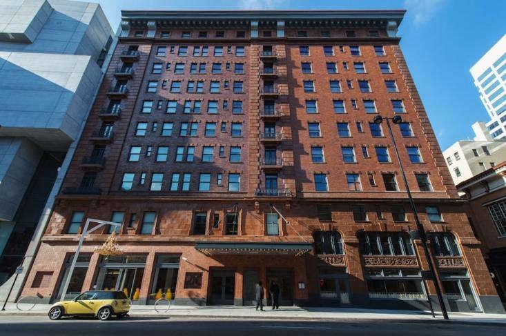 21c-Museum-Hotels-Cincinnati-Boutique-04