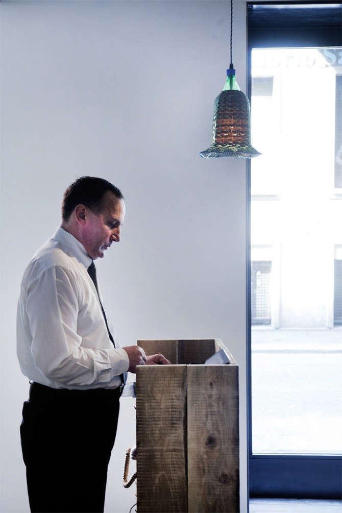 28posti-concierge-desk-remodelista