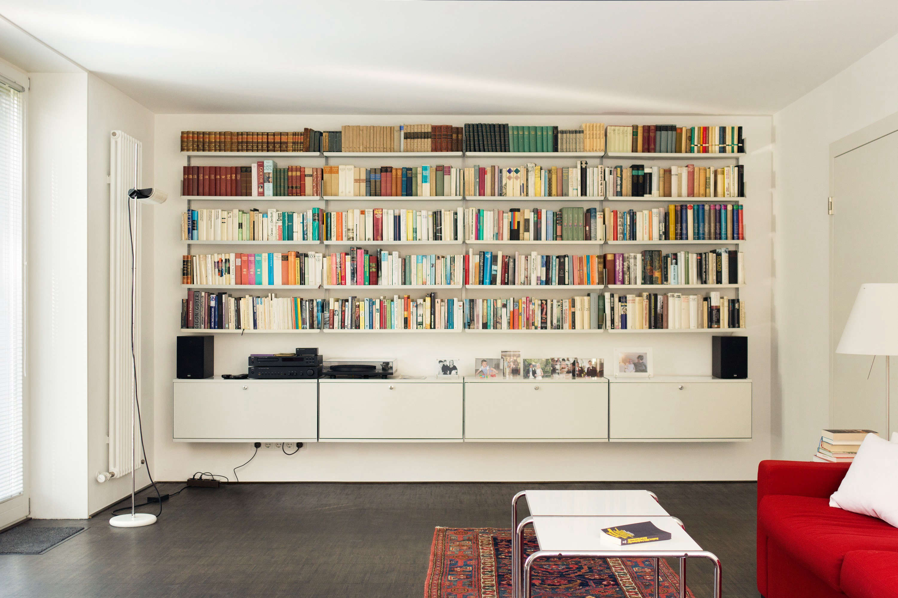 606-Universal-Shelving-System-designed-by-Dieter-Rams-©Vitsoe-Remodelista-02