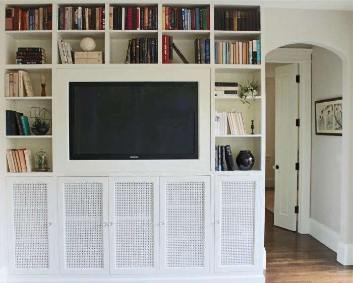 700_a-flat-screen-tv-with-no-cords-entertainment-center