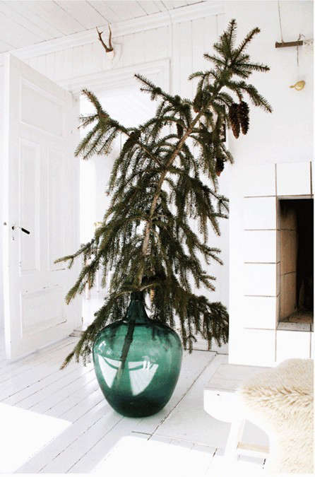 700_christmas-tee-in-a-vase