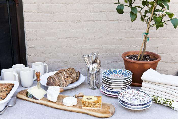 Expert Advice How to Throw an Impromptu Summer Dinner Party Photograph by Nicole FranzenfromHow to Crowd Source a Garden.