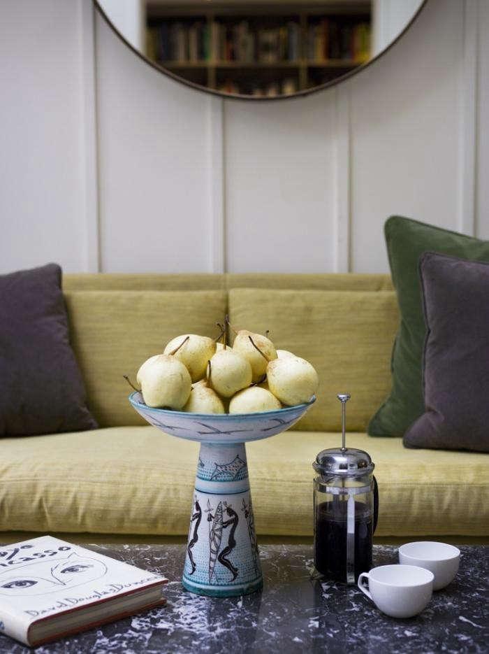 700_mellersch-yellow-sofa