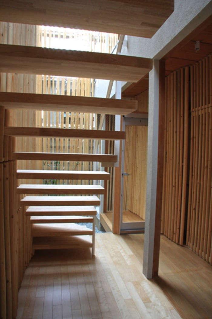 700_miyamoto-open-tread-stairs-remodelista-01