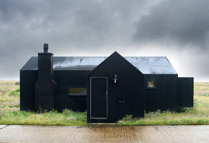 700_rubber-house-black-black.jpg
