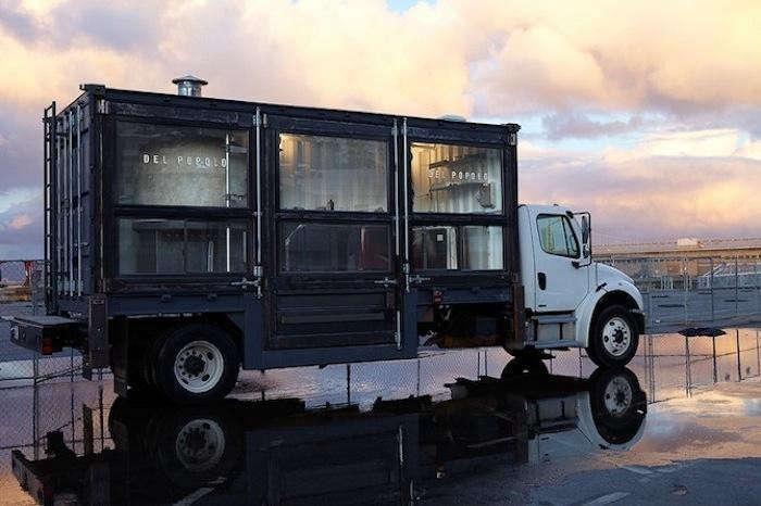 700_sf-food-truck-del-popolo-black-truck