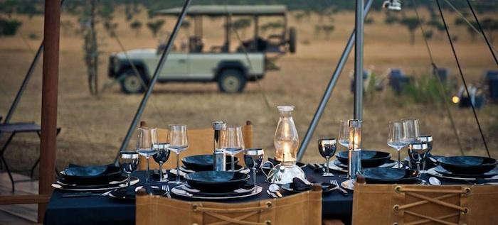 700_singita-dining-table-outdoors-2