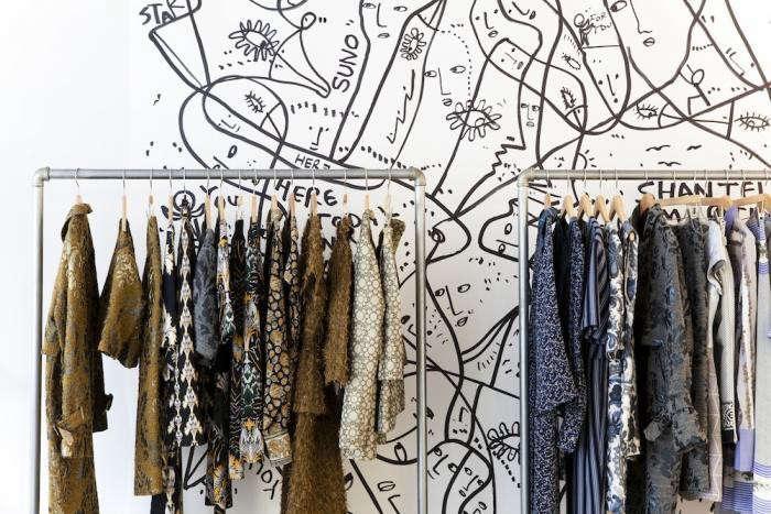 700_suno-nicolefranzen-clothing-racks