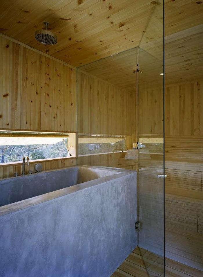 700_wood-paneled-bathroom-light-wood